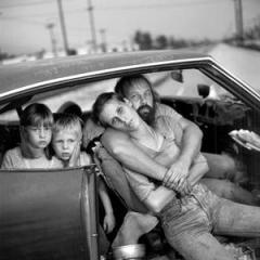 family_in_car1