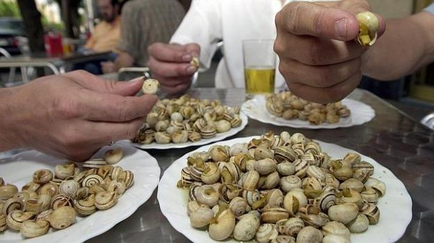 platos-caracoles-sevilla--644x362